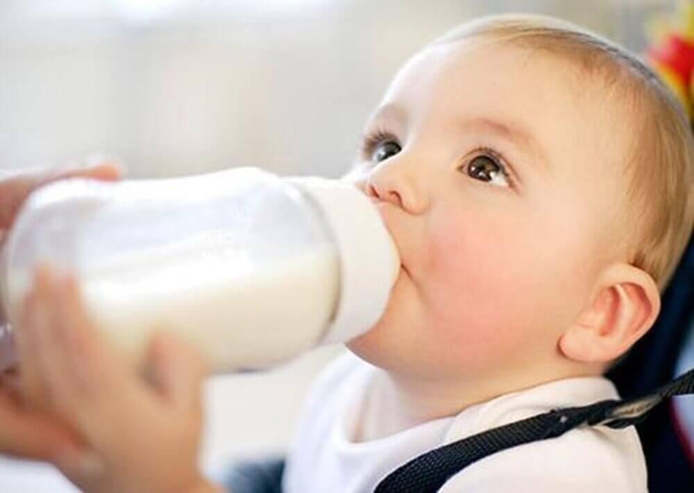 Uống sữa Meiji Nhật Bản giống sữa mẹ không sợ bé lạ miệng