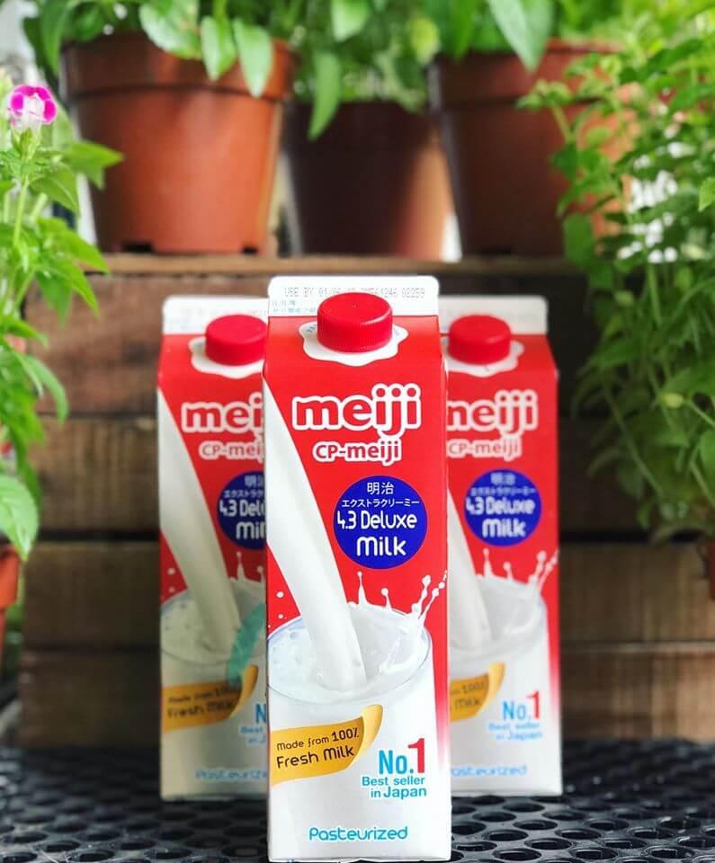Sữa Meiji có sữa tươi không, có tốt hơn sữa bột không